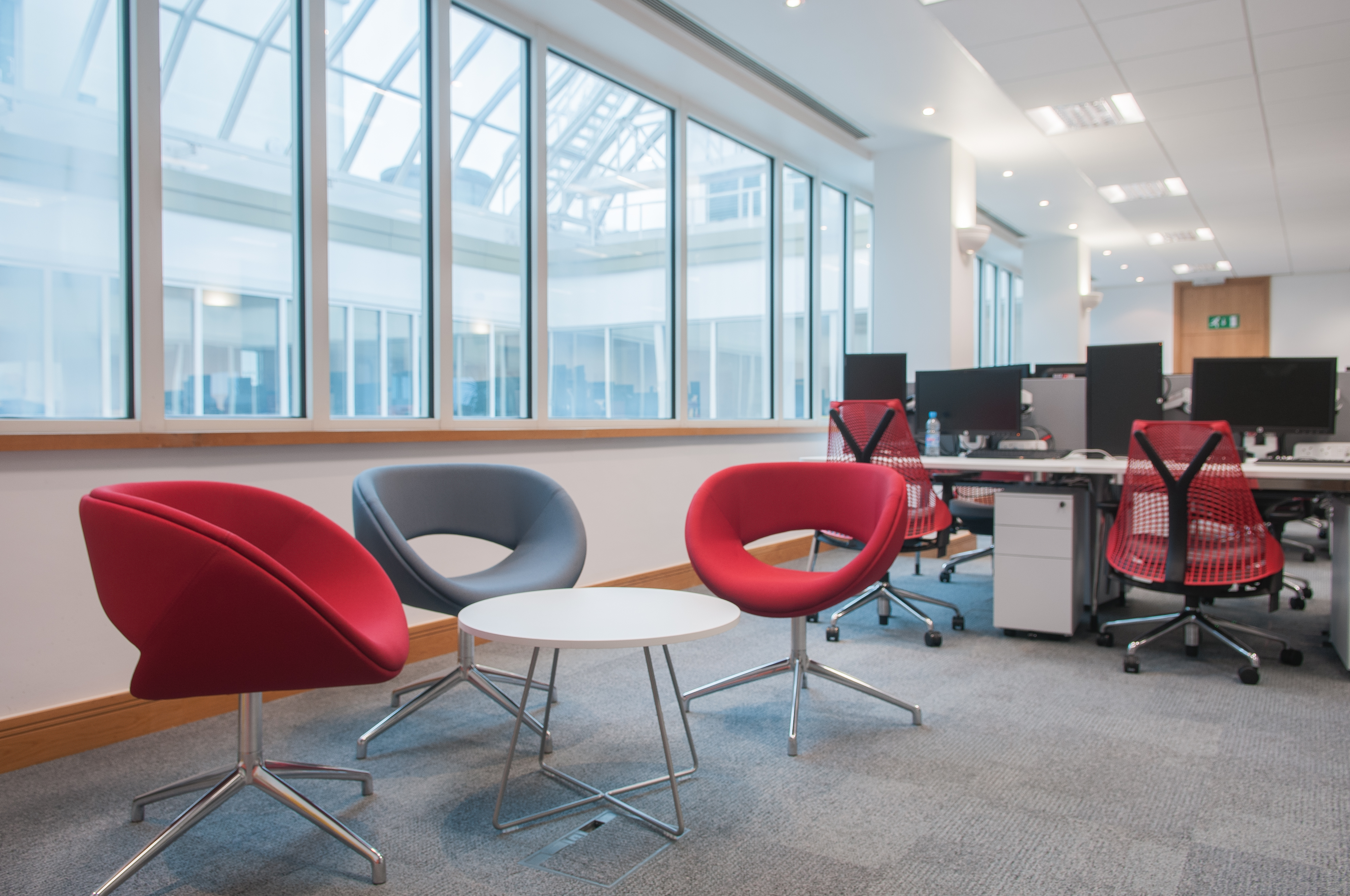 breakout out and workstation office furniture | Novex Solutions