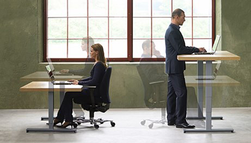 Kinnarps workstations to sit or to stand at work?
